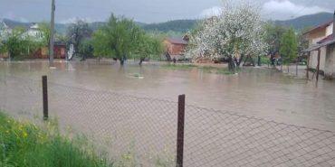 Внаслідок сильного дощу на Прикарпатті, затопило село на Яремчанщині. ФОТО