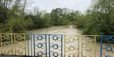 Підтоплені подвір'я, пошкоджені мости: що відомо про наслідки негоди на Прикапатті