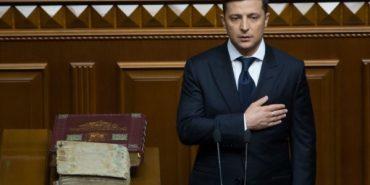 Більше 30 000 голосів: на сайті президента зареєстрували петицію про відставку Зеленського