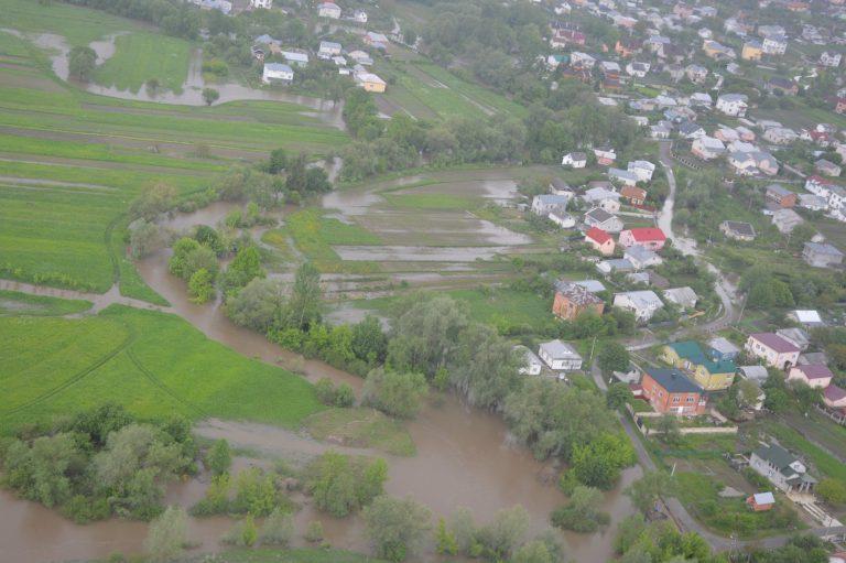 Повінь на Прикарпатті: підтопленими залишаються понад 150 господарств
