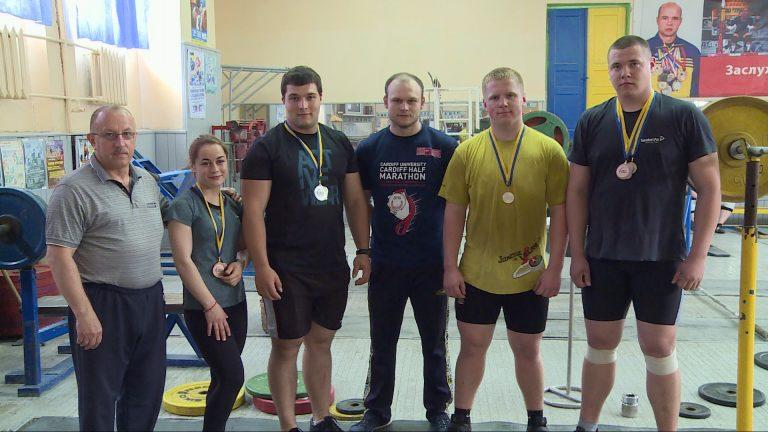 Срібло і 2 бронзи: коломийські важкоатлети здобули нагороди на Чемпіонаті України. ВІДЕО