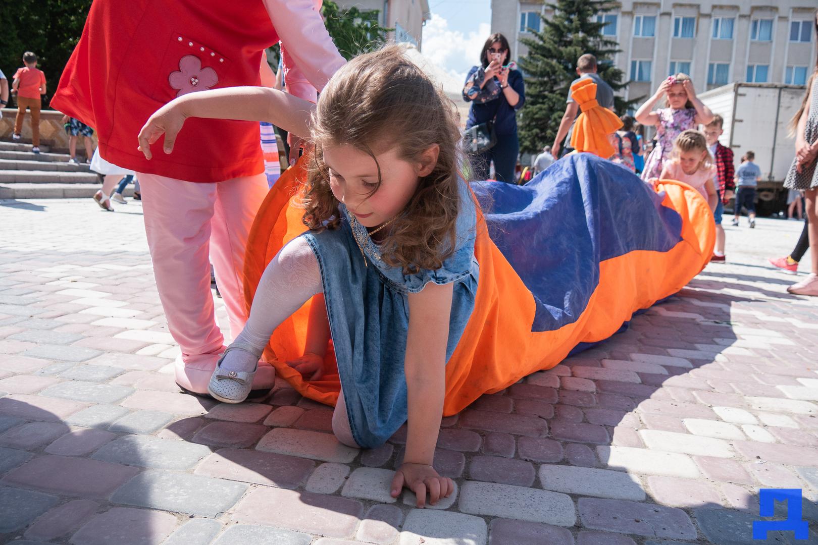 Дитячі майданчики та комп'ютерні класи: у Городенці яскраво відзначили день захисту дітей. ФОТО 16